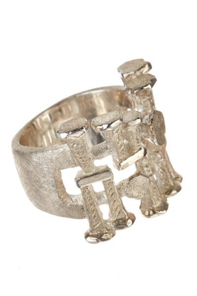 Andrea Gutierrez 18K white gold Vestal ring